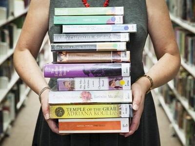 Rewarding Reads